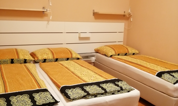 Dupla ágy és szimpla ágy is van. Szállás 2 vagy 3 fő részére.